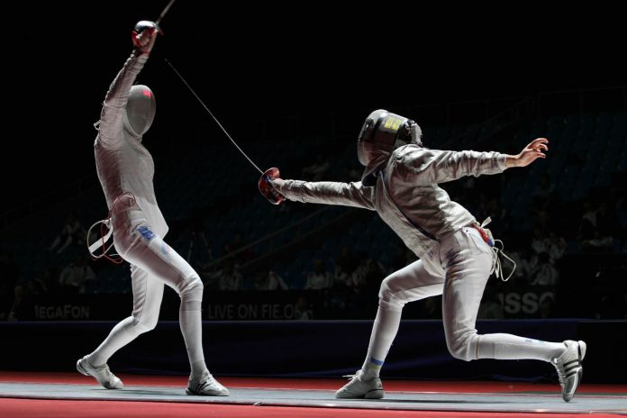 Впервые за двадцать лет в финале турнира по фехтованию выступали две спортсменки из России. Золото и серебро