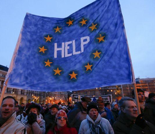 Президент Молдовы не спешит принимать помощь Евросоюза