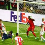 Мхитарян забивает второй мяч «Аяксу» в финале Лиги Европы Фото: sports.ru