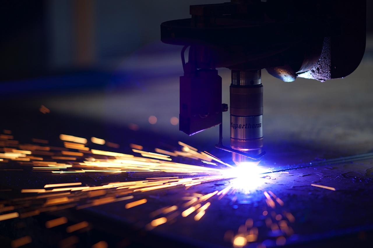 Кому доверить лазерную резку металла?