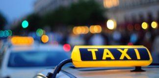Таксист кинул иностранца на 50 тысяч рублей