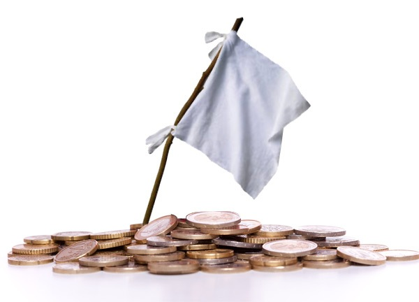 деньги и белый флаг